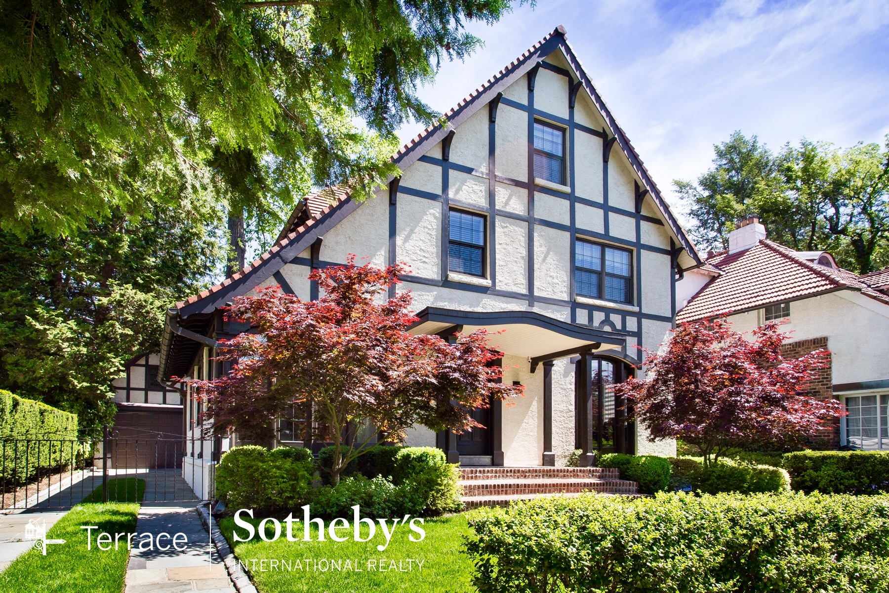 FOREST HILLS QUEENS, NYC REAL ESTATE