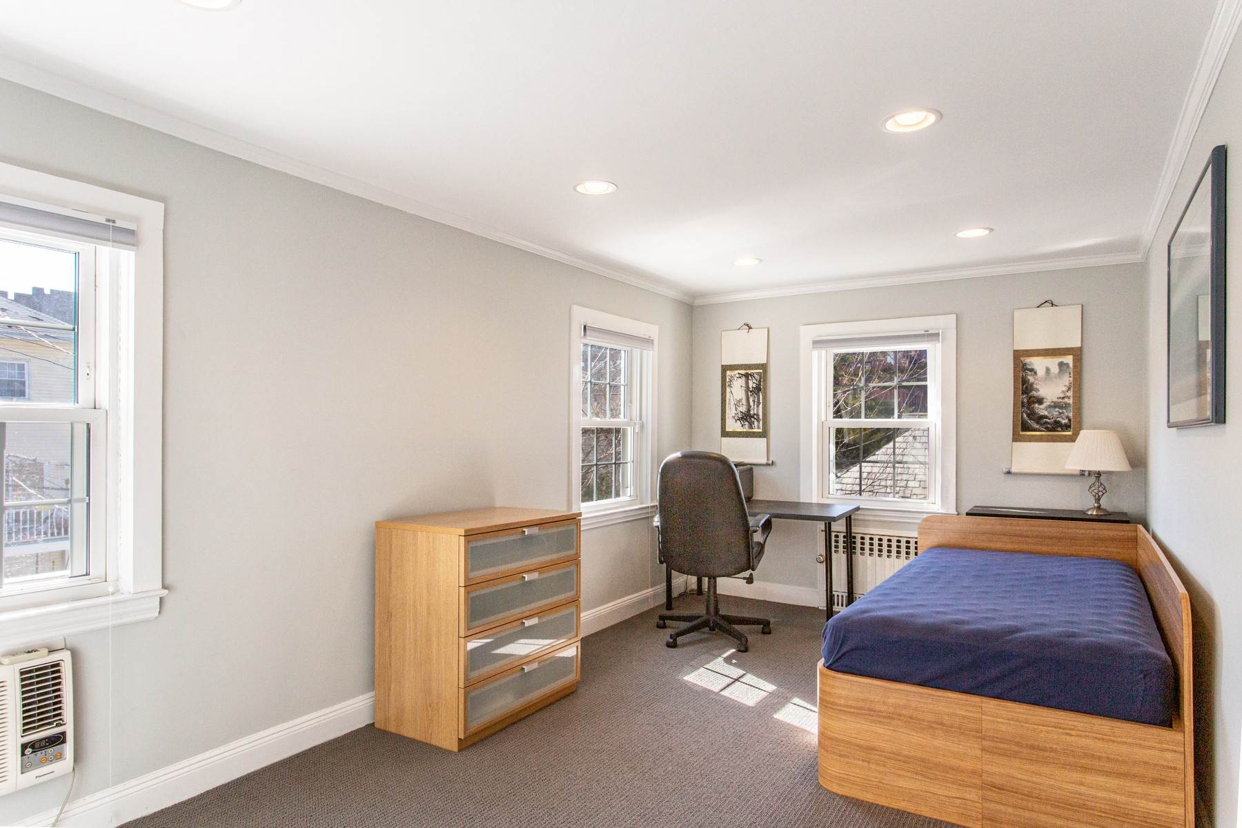 13. Single Family Homes for Sale at 'GRACIOUS LIVING IN KEW GARDENS' 103 Mowbray Drive, Kew Gardens, New York 11415 United States