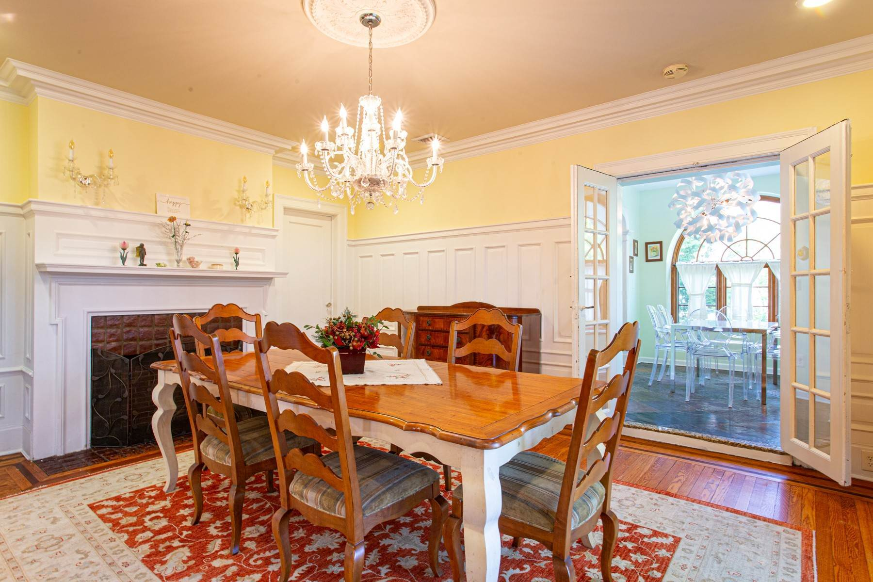9. Single Family Homes for Sale at 'KEW GARDENS MEDITERRANEAN MASTERPIECE' 48 Beverly Road, Kew Gardens, New York 11415 United States
