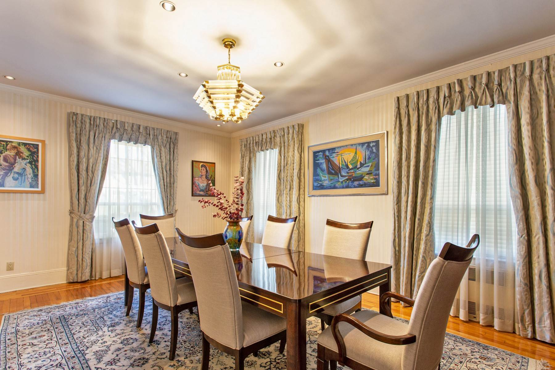 7. Single Family Homes for Sale at 'GRACIOUS LIVING IN KEW GARDENS' 103 Mowbray Drive, Kew Gardens, New York 11415 United States