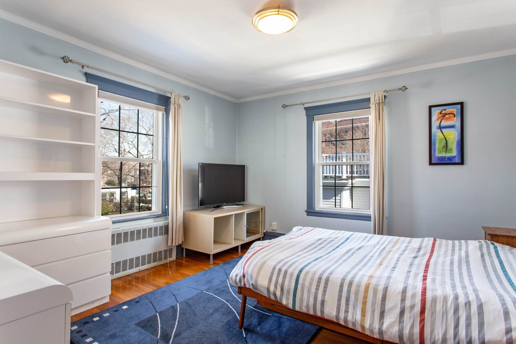 14. Single Family Homes for Sale at 'GRACIOUS LIVING IN KEW GARDENS' 103 Mowbray Drive, Kew Gardens, New York 11415 United States