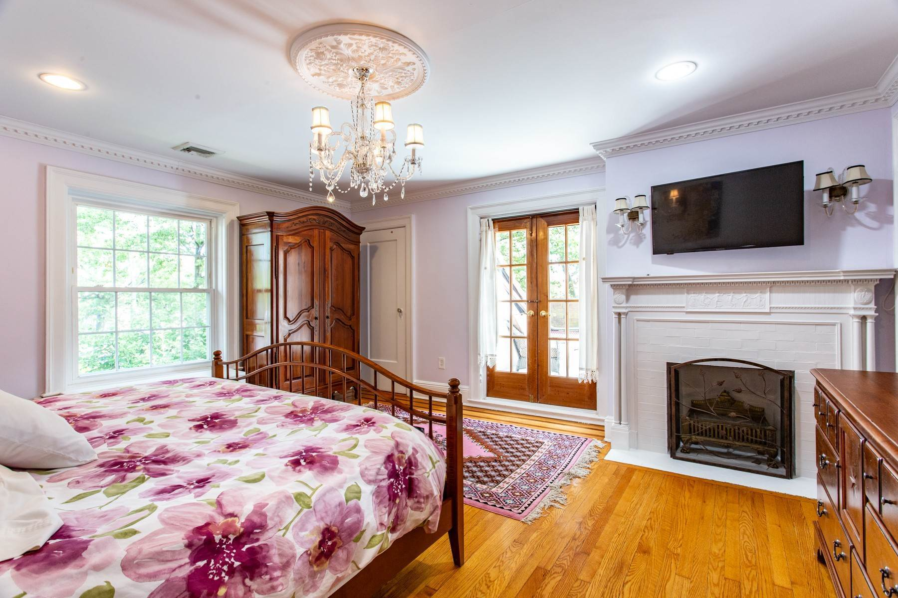 17. Single Family Homes for Sale at 'KEW GARDENS MEDITERRANEAN MASTERPIECE' 48 Beverly Road, Kew Gardens, New York 11415 United States
