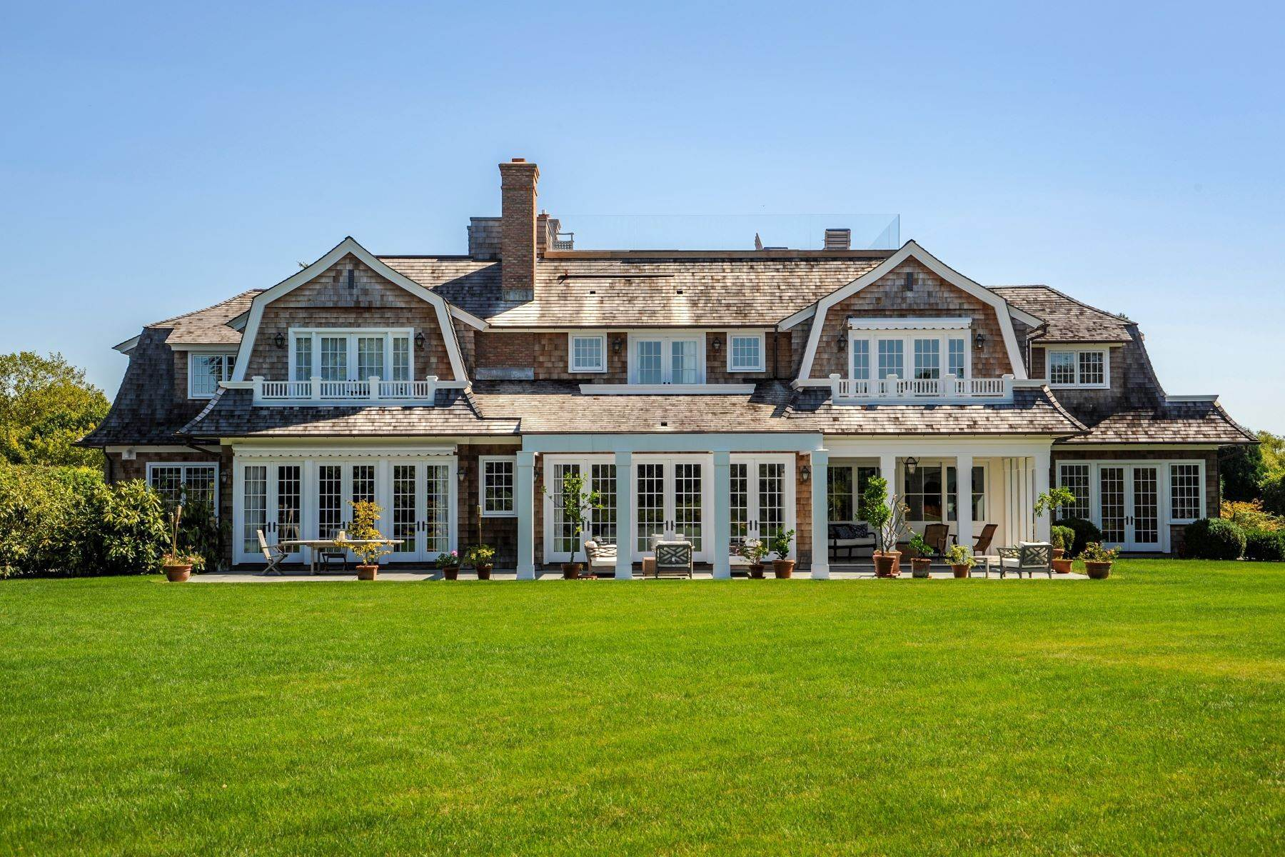 Single Family Homes 在 ELEGANT SAGAPONACK NEAR OCEAN BEACH 108 Fairfield Pond Lane 萨加波纳克, 纽约 11962 美国