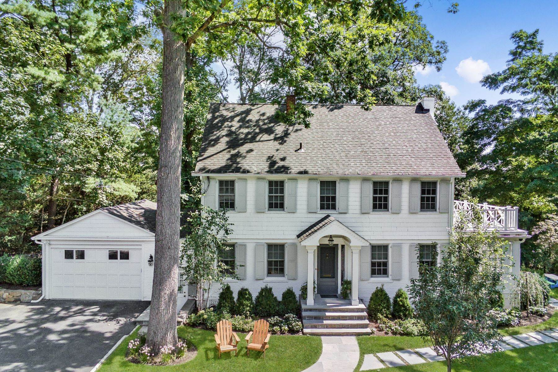 Single Family Homes for Sale at Beautifully Renovated Home to the Highest Standards 16 Wyndham Road Scarsdale, New York 10583 United States